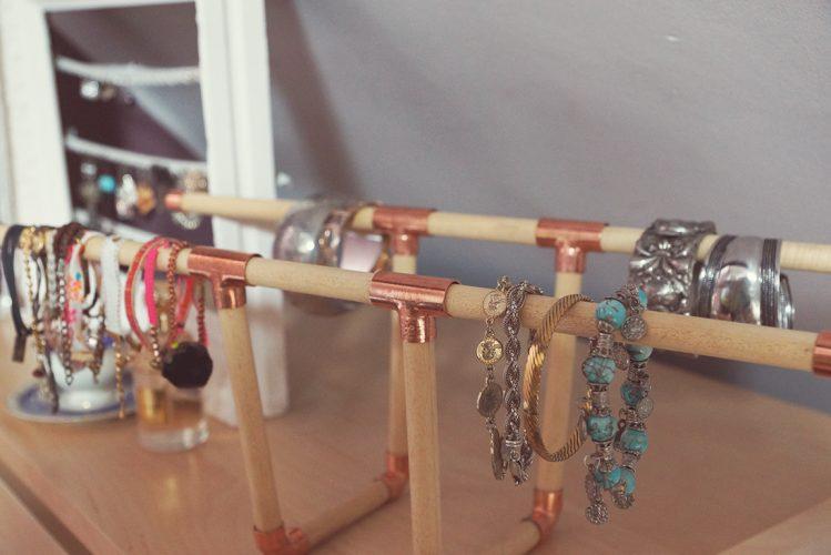 DIY bracelet holder 2