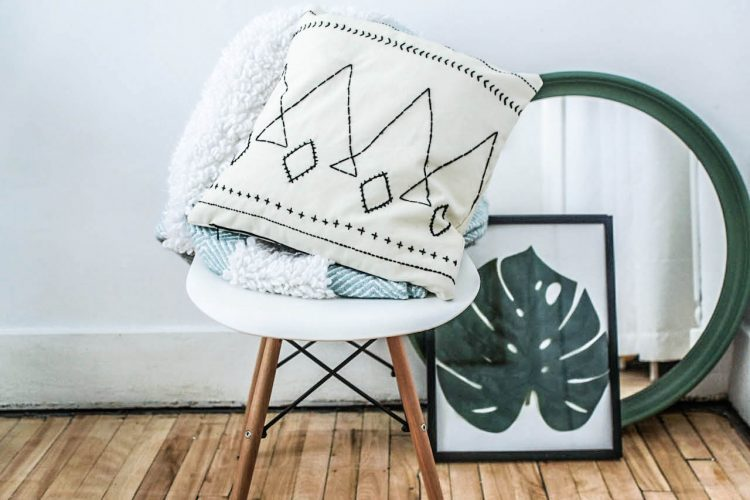 DIY berber style cushion. Step by step tutorial
