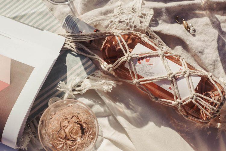 DIY Macramé : porte bouteille … de rosé!