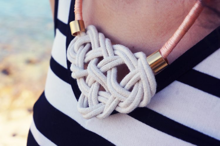 DIY : Nautical knot necklace