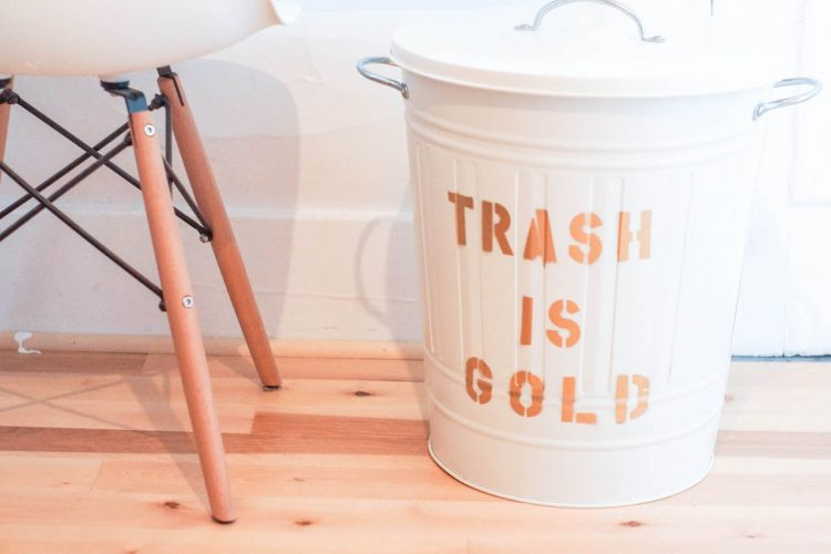 "DIY decorated garbage ""Trash is gold"" (ikea hack)"