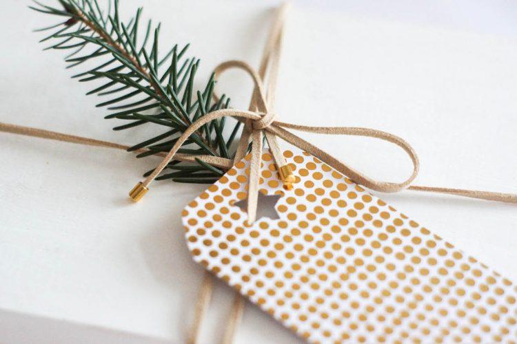 DIY 2 en 1 Emballez vos cadeaux avec un collier choker!